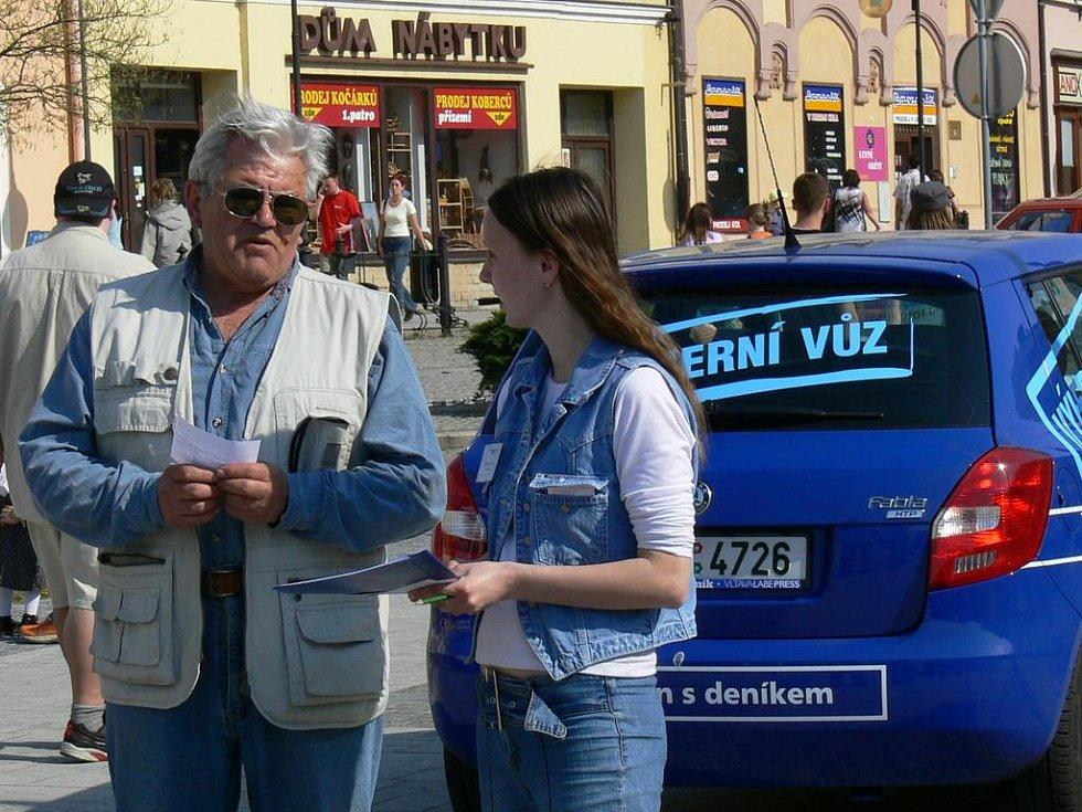 Velkým lákadlem pro návštěvníky byla možnost vyhrát automobil v tipovací soutěži.