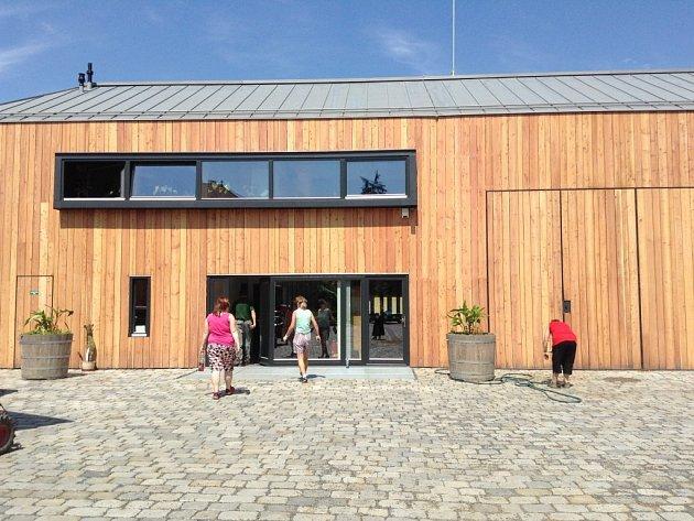 Zahradnické zázemí v Podzámecké zahradě v Kroměříži získalo ocenění v architektonické soutěži Grand Prix 2013