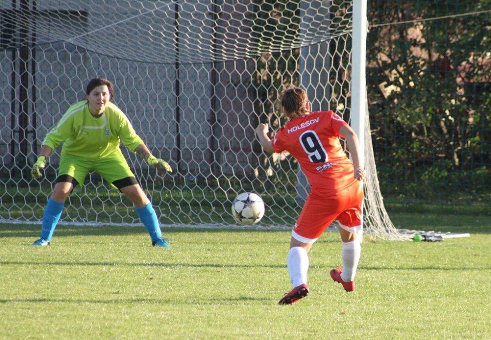 Moravskoslezská fotbalová divize žen Držovice - Holešovské holky