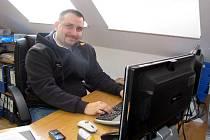 Pětadvacetiletý podnikatel Tomáš Smutný z Kroměříže založil asi před šesti lety společnost KM.net, která spadá do oboru sítě a IT technologie.