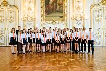 Pěvecký sbor Arcibiskupského gymnázia Kroměříž funguje už šestadvacet let. Tamní zástupce ředitele Michael Korbička jej momentálně vede druhým rokem.