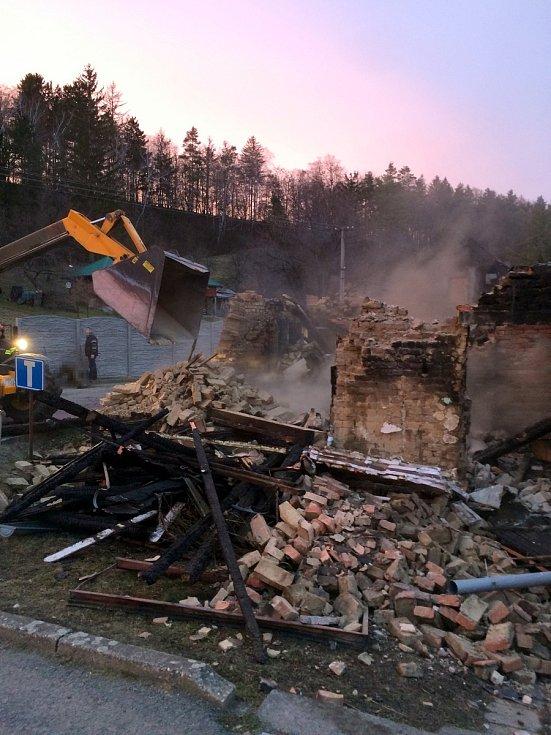 Požár domu v obci Chvalnov na Kroměřížsku.