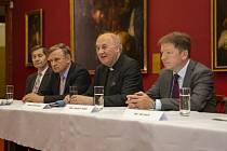 Memorandum podepsali zástupci Kroměříže, Arcibiskupství olomouckého a Zlínského kraje.
