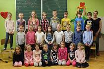 Tablo dětí z letošní první třídy ZŠ Zdounky s třídní učitelkou Mgr. Blankou Ondovou vychází v rámci projektu Naši prvňáci v Kroměřížském deníku ve středu 10. ledna.