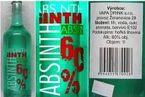 Zlínští celníci zajistili při akci v průmyslovém areálu v Bystřici pod Hostýnem přibližně 500 lahví absinthu, který obsahoval zvýšené, zhruba třicetiprocentní množství metanolu.