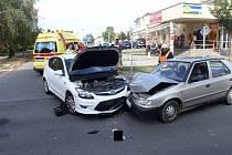 Dopravní nehoda v ulici Spáčilova v Kroměříži.