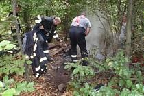 Hořící pařez v Koryčanech prověřil fyzičku hasičů