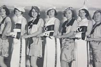 16. 2. 1935. Šibřinky v Postoupkách, které se tehdy nesly v duchu tématu Karneval na Riviéře.