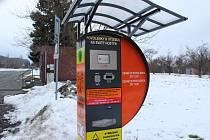 Autem na Hostýn? Jedině s povolenkami z tohoto automatu provozovaného olomouckým arcibiskupstvím.