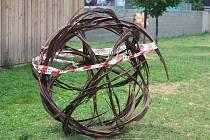 V Kroměříži v pátek oficiálně začal osmý ročník výstavy Sochy v zahradě, který má za cíl přiblížit současné umění obyvatelům města i turistům.
