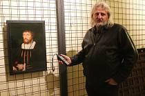 Vybrané historické obrazy a nábytek prochází v rámci projektu Obnova vybraných obrazů a nábytku Arcibiskupského zámku v Kroměříži, nyní k nim přibudou i vzácné lunety.