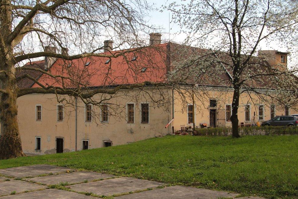 Zámecký park ve Zdounkách.