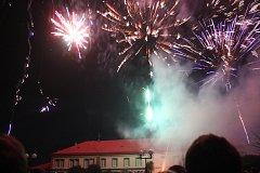 Silvestrovský ohňostroj a koncert kapely kapely Tip Top-Q na Hanáckém náměstí v Kroměříži
