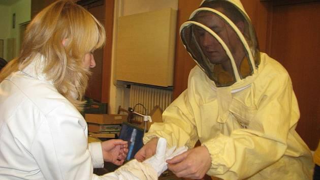 Ve vestibulu holešovského kina Svět se konal Medový den