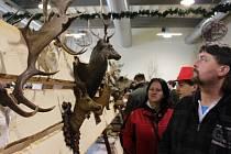 Kroměřížské výstaviště Floria hostilo o víkendu výstavu Myslivosti, rybářství a včelařství. K vidění byly trofeje zvířat i největší trofej Losa Evropského. Návštěvníci stříleli z luku a ochutnali zvěřinové speciality.