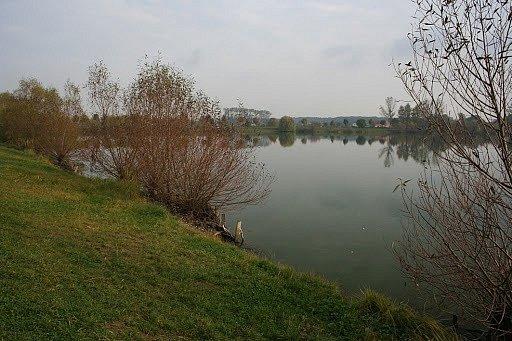 Hráza, Hrubý rybník uKroměříže.