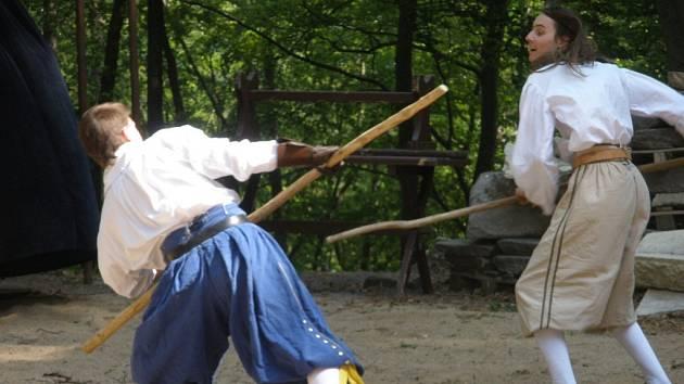 V sobotu 2. května se na hradě Cimburk u Koryčan konalo šermířské vystoupení