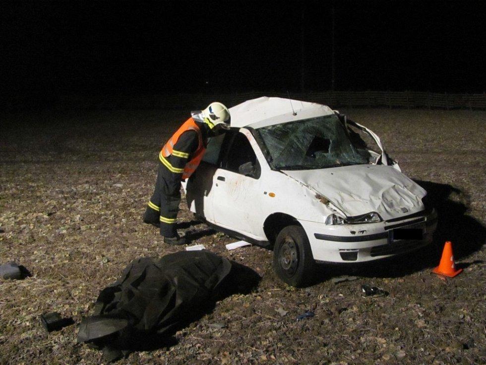 K tragické srážce Fiatu Punto a Mercedesu Benz došlo 21. února 2012 mezi Kroměříží a Hulínem. Řidič fiatu vážným zraněním na místě podlehl.