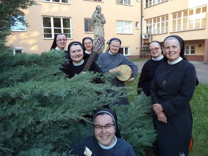 Řádové sestry z kroměřížského kláštera