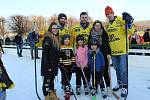 Hokejové odpoledne na zámeckém kluzišti v Holešově s hvězdami týmu PSG Berani Zlín