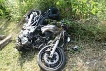 Motorkář skončil po nehodě v nemocnici