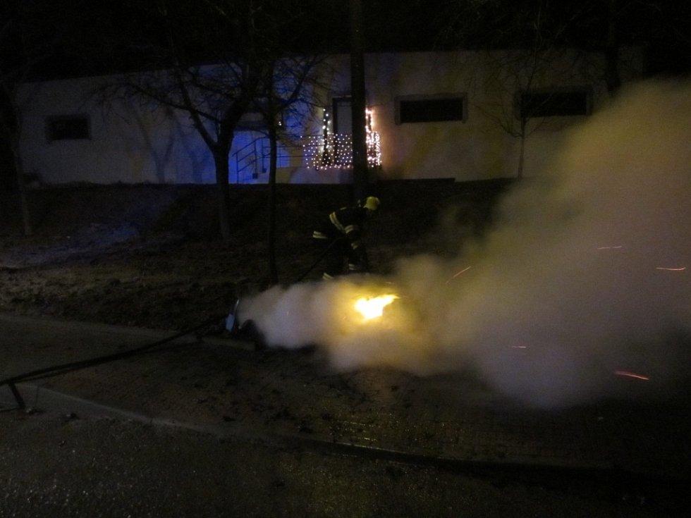 Požáry a dopravní nehody na Štědrý den ve Zlínském kraji.