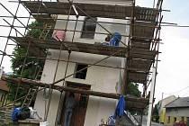 Druhou a zároveň i závěrečnou etapu rekonstrukce kaple v Troubkách dokončují v těchto dnech dělníci.