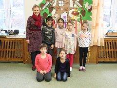 Tablo dětí z letošní první třídy ZŠ v Loukově s třídní paní učitelkou Mgr. Blankou Baďurovou vychází v rámci projektu Naši prvňáci v Kroměřížském deníku ve středu 14. února. Příští středu 21. února vám představíme děti ze ZŠ v Žalkovicích.