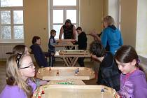 Představitelé Sokola ve Věžkách připravili pro všechny hravé lidi odpoledne plné her. Měli připravené netradiční a málo známé aktivity.