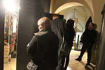 Dvaasedmdesát let by letos oslavil Karel Kryl, lidé na něj vzpomínali například i ve Starém pivovaru v Kroměříži. Návštěvníci stálé expozice mu v úterý mohli nechat i vzkaz, v rámci programu se zpívaly Krylovy písně, či lidé vyplňovali kvíz.