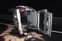 Nehodu, při níž utrpěli zranění čtyři lidé, řešili v noci na pondělí policisté nedaleko Žalkovic.