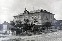 Budova sirotčince, dnes stará poliklinika.