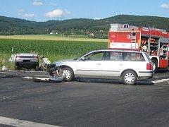 Nehoda částečně blokovala křižovatku na obchvatu Holešova.