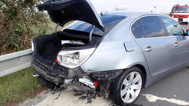 Nedělní nehodu v Kroměříži má na svědomí řidič, který se při ní vážně zranil