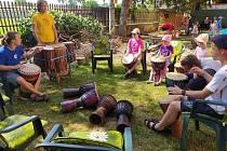 Zahradní slavnost v TYMY byla zalita sluncem.