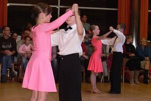V Domě kultury v Kroměříži se v pondělí 17. prosince konala přehlídka tanečního klubu Gradace. Tanečníci předvedli své umění plnému společenskému sálu.