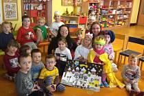 Dětem z mateřské školky v Kyselovicích zpestřila v pátek 6.1. den návštěva z Centra pro rodinu v Kroměříži, která jim představila tříkrálové tradice.