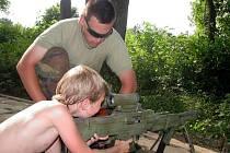 V Medlově se v sobotu 17. července 2010 konal Dětský den. Děti si mohly například vyzkoušet střelbu ze zbraní.