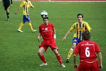 Hulín (v červeném). Ilustrační foto