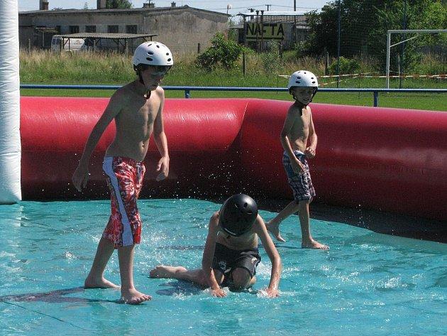 V sobotu 10. července se v Záhlinicích u Hulína konaly Malé slavnosti piva. Na programu byl turnaj ve fotbale a vodní fotbal pro děti.