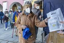 Město Kroměříž rozdalo zdarma asi 8 tisíc respirátorů