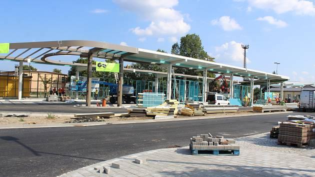 Oprava autobusového nádraží se pomalu blíží ke konci.