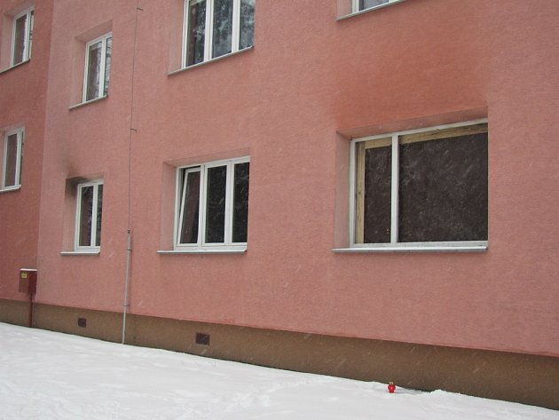 Na fotografii je byt v Páleníčkově ulici v Kroměříži, ve kterém došlo k násilné vraždě mladé ženy. Obětí je dvaadvacetiletá žena.