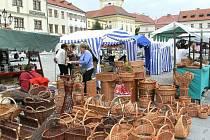 V pátek 22. července 2011 se na Velkém náměstí v Kroměříži konal jarmark slovenských lidových řemesel a druhý městský farmářský trh.