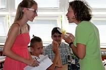 Na základní škole Zachar se žáci dočkali vysvědčení už v pátek.