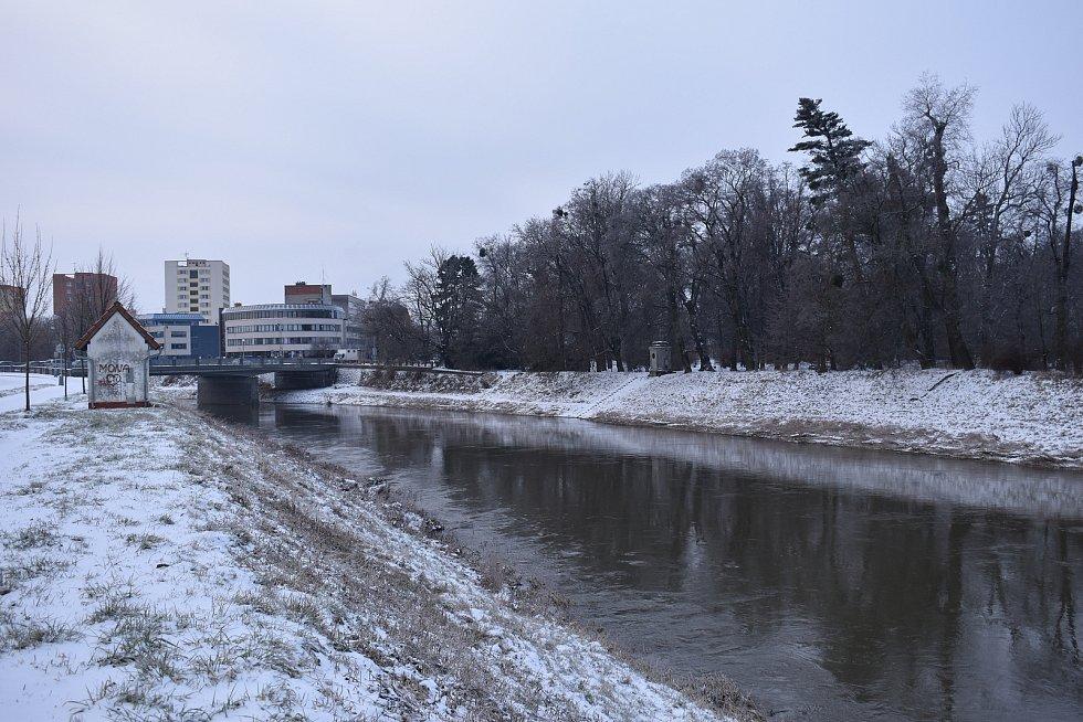Ledovka a čerstvý sníh v Kroměříži, 8. 2. 2021