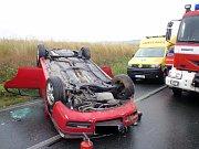 Tři zraněné si vyžádala nehoda osobního auta, ke které došlo v neděli po poledni nedaleko zlobické místní části Bojanovice.