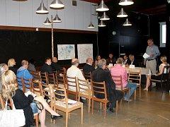 V Holešově se konala tisková konference kvůli situaci kolem Holešovské zóny.
