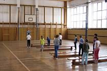 Oprava tělocvičny, kterou v Prusinovicích naplánovali na rok 2009, přijde na 10 milinů. Většinu částky hradí ministerstvo financí.