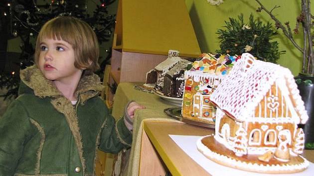 Výstava Vánoce jsou plné kouzel a pohádek v Tetěticích